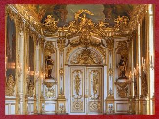 D'après le style Rocaille de la Galerie Dorée et Allégories des continents du XIXe siècle. (Marsailly/Blogostelle)
