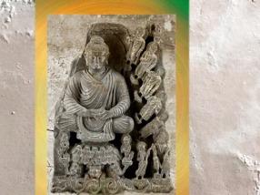 D'après l'Éveillé et les Buddhas du passé, art du Gandhara, IIe siècle-IIIe siècles apjc, Kushâna en Inde du Nord. (Marsailly/Blogostelle)
