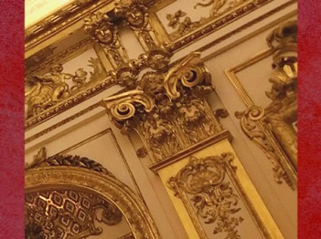 D'après les ors Rocaille de la Galerie Dorée, Hôtel de Toulouse (Banque de France), Paris, France, XVIIIe siècle. (Marsailly/Blogostelle)
