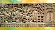 D'après une scène de palais, figures féminines, ivoire, relief trésor de Bégram (Afghanistan) trouvé à Pompéi, Ie siècle apjc -IIe siècle apjc, Kushâna en Inde du Nord. (Marsailly/Blogostelle)