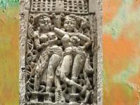 D'après des figures féminines sculptées sur ivoire, trésor de Bégram, Ie siècle apjc -IIe siècle apjc, dynastie Kushâna en Inde du Nord. (Marsailly/Blogostelle)