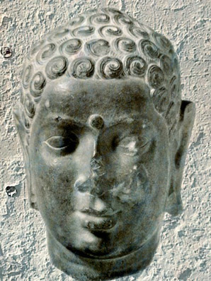 D'après Buddha, vers IIe siècle apjc, école d'Amarâvatî, époque Sâtavahâna, Andhra Pradesh, Inde du Sud. (Marsailly/Blogostelle)