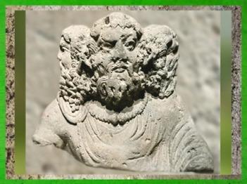 D'après le buste sculpté de Cernunnos tricéphale, IIesiècle apjc, Aquitaine,Gaule Romaine. (Marsailly/Blogostelle)
