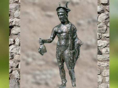 D'après Mercure figurine en bronze, Gaule Romaine, Vaison-la-Romaine, France. (Marsailly/Blogostelle