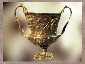 D'après un décor de masques et de vigne, Trésor de Hildesheim, argent, Ier siècle avjc, Allemagne, Germanie Romaine. (Marsailly/Blogostelle)