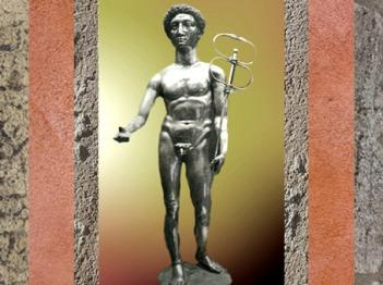 D'après une statuette de Mercure en argent, IIe siècle apjc, trésor de Berthouville, sanctuaire de Canetonum, Normandie, France, Gaule Romaine. (Marsailly/Blogostelle)