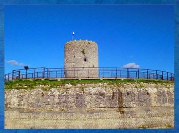 D'après la Tour Ronde du Fâ de Barzan, vestige antique d'un fanum, IIe siècle apjc, Charente Maritime, France, Gaule Romaine. (Marsailly/Blogostelle)