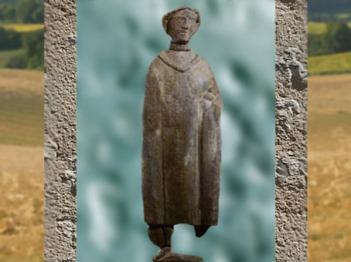 D'après un pèlerin et ses offrandes, ex-voto, hêtre, source des Roches, Ier siècle apjc, Chamalières, France,Gaule Romaine. (Marsailly/Blogostelle)