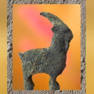 D'après le Bouc, attribut gaulois du dieu Mercure, métal cuivreux, Ier - IVe siècle apjc, Gaule Romaine. (Marsailly/Blogostelle)