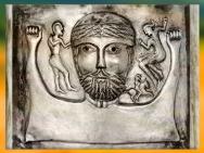 D'après un dieu barbu, chaudron de Gundestrup, détail, or et argent, Ier siècle avjc, âge du Fer, Danemark, art celte. (Marsailly/Blogostelle)