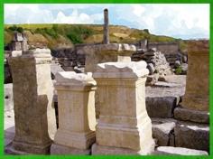 D'après un autel consacré à Hercule, site de Glanum, Ier-IIIe siècle apjc, Provence, Gaule Romaine. (Marsailly/Blogostelle)