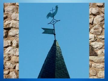 D'après le Coq gaulois, au somment des clochers des villages, France. (Marsailly/Blogostelle)