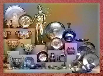 D'après le trésor ex-voto de Berthouville dédié au dieu Mercure, argent, IIe siècle apjc, sanctuaire de Canetonum, Normandie, Gaule Romaine. (Marsailly/Blogostelle)