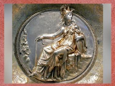 D'après Minerve, déesse romaine de la sagesse et de la guerre, Trésor de Hildesheim, argent rehaussé d'or, Ier siècle avjc, Germanie à l'époque romaine, Allemagne. (Marsailly/Blogostelle)