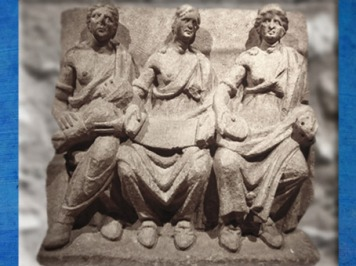 D'après les Matres de Vertault,groupe sculpté, Bourgogne, Bibracte, Ier-IVe siècle apjc, France,Gaule Romaine. (Marsailly/Blogostelle)