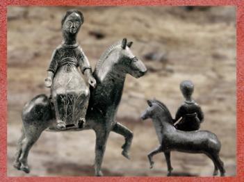 D'après la déesse gauloise Épona, IIIe siècle apjc, bronze, Loiret, France,Gaule Romaine. (Marsailly/Blogostelle)