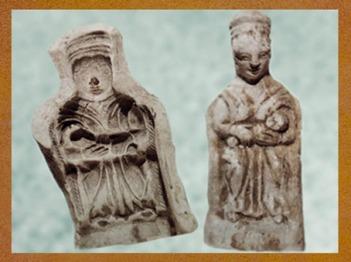 D'après un moule et une figurine de déesse mère, terre cuite, France, Gaule Romaine. (Marsailly/Blogostelle)