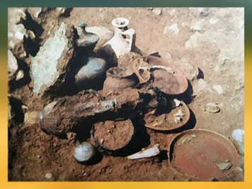 D'aprèsun dépôt funéraire, Saint-Paul-Trois-Châteaux, Ier-IIe siècle apjc, Vallée du Rhône, France,Gaule Romaine. (Marsailly/Blogostelle)