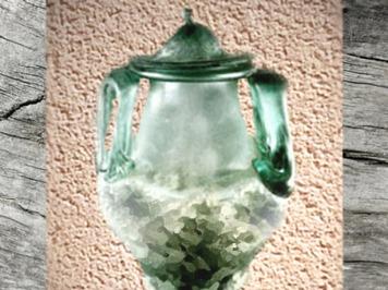 D'après une urne funéraire en verre, La Sauvetat, IIe siècle apjc, Aquitaine, France, Gaule Romaine. (Marsailly/Blogostelle)