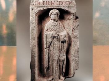 D'après la stèle funéraire d'une femme médecin, dite La Medica, IIe siècle apjc, Metz, France,Gaule Romaine. (Marsailly/Blogostelle)