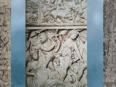 D'après ménades et satyres, fin IIIe siècle apjc, sarcophage dionysiaque, Gironde, Gaule Romaine. (Marsailly/Blogostelle)