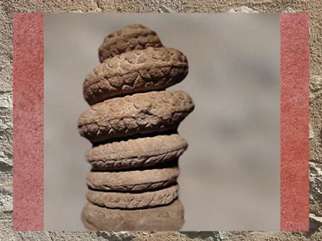 D'après le Serpent aux Sept spires, 7 planètes et 7 jours, mithraeum de Bordeaux, IIIe siècle apjc, Gaule Romaine. (Marsailly/Blogostelle)