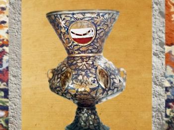 D'après une lampe de mosquée, verre soufflé, à décor émaillé, XIVe siècle, Égypte ou Syrie. (Marsailly/Blogostelle)