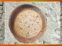 D'après une coupe peinte, terre cuite, Samarra, vers 5000 avjc, Tell es-Sawwan, Irak actuel, Mésopotamie néolithique. (Marsailly/Blogostelle)