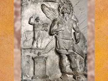 D'après Mithra à tête et pattes de lion (léontocéphale), Mithraeum de Vienne, Poitou, Gaule Romaine. (Marsailly/Blogostelle)