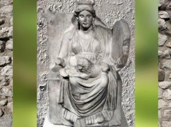 D'après Kybele Mère des Dieux, vers 330-300 apjc, Hambourg, art Grec, époque romaine. (Marsailly/Blogostelle)