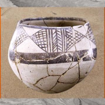D'après une poterie de l'époque d'Obeid, vers 4700 - 4200 avjc, Irak actuel, Mésopotamie néolithique. (Marsailly/Blogostelle)