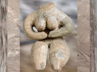 D'après une nudité féminine, terre cuite peinte, Ve millénaire avjc, culture de Halaf, Syrie. (Marsailly/Blogostelle.)