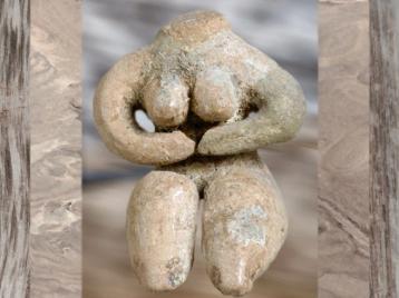 D'après une nudité féminine, terre cuite peinte, Ve millénaire avjc, culture de Halaf, Syrie, Mésopotamie néolithique. (Marsailly/Blogostelle)