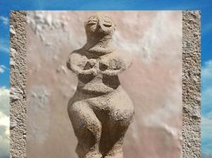 D'après une Déesse-Mère, terre cuite, VIe millénaire avjc, Çatal Hüyük, Anatolie,Levant néolithique. (Marsailly/Blogostelle)