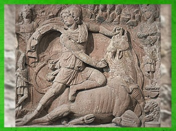 D'après Mithra, dieu tauroctone, mithraeum de Neuenheim, Karlsruhe, IIe siècle apjc, Allemagne, époque romaine. (Marsailly/Blogostelle)