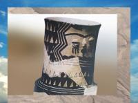 D'après un détail de vase, à visage, Samarra, IVe millénaire avjc, Mésopotamie, Irak. (Marsailly/Blogostelle)
