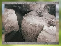 D'après les vestiges de la tour de Jéricho vers 8300 ans avjc, Jordanie, Levant Néolithique. (Marsailly/Blogostelle)
