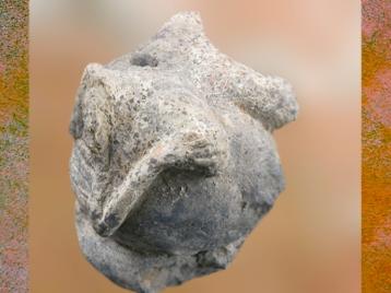 D'après une statuette féminine, Çatalhöyük, vers 7000-6000 avjc, Anatolie, Levant. (Marsailly:Blogostelle)