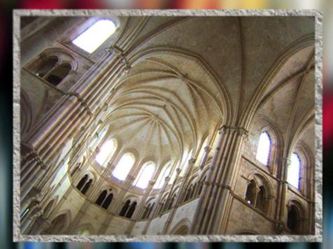 D'après l'élévation de la cathédrale de Chartres, 1193-1220 apjc, art Gothique, France. (Marsailly/Blogostelle)