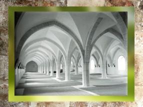 D'après l'abbaye de Clairvaux, fondée en 1115 par Saint Bernard, style Cistercien, Champagne, France, époque Romane. (Marsailly/Blogostelle)