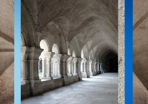 D'après l'abbaye de Fontenay, déambulatoire, 1147 apjc, Bourgogne, France, XIIe siècle,ordre cistercien, époque Romane. (Marsailly/Blogostelle)