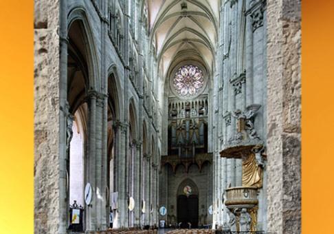D'après la cathédrale d'Amiens, élévation et rosace, 1220-1269 apjc, art Gothique, France. (Marsailly/Blogostelle)