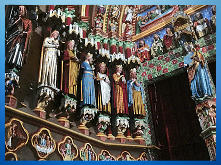 D'après la cathédrale d'Amiens, statues, 1270 apjc, art Gothique, France. (Marsailly/Blogostelle)
