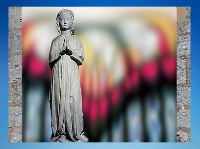 D'après la statue d'Isabelle de France, vers 1304 apjc, collégiale de Poissy, art gothique. (Marsailly/Blogostelle)