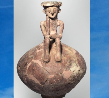 D'après Le Penseur, carafe, terre cuite, vers 3800 ans avjc, Yehud, Israël, Levant néolithique. (Marsailly/Blogostelle)