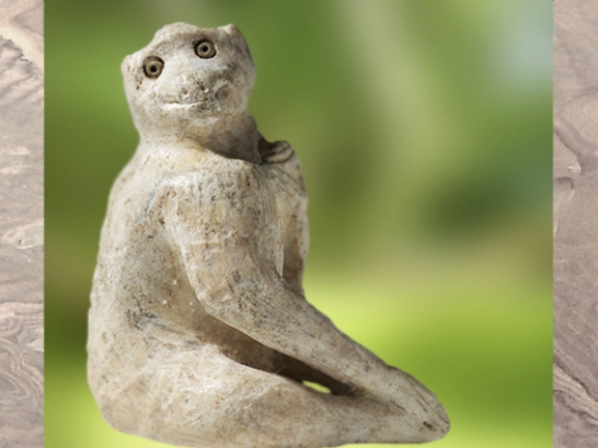 D'après une statuette de petit singe, IIIe millénaire avjc, Elam. (Marsailly/Blogostelle)