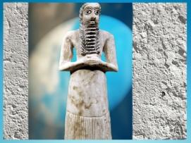 D'après la statuette votive d'un Orant, en albâtre, vers 2750-2600 avjc, époque des dynasties archaïques, Eshnunna, Tell Asmar, actuelle Syrie, Mésopotamie. (Marsailly/Blogostelle)
