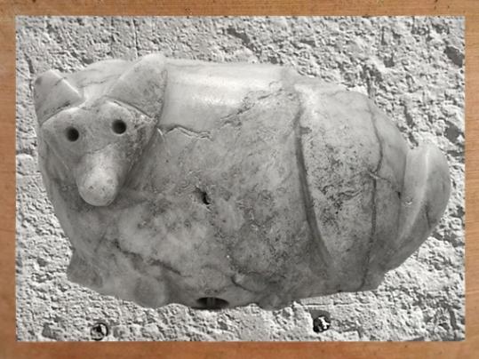 D'après un cachet zoomorphe, marbre, Tello-Girsu, Irak actuel, époque des dynasties archaïques, Mésopotamie. (Marsailly/Blogostelle)