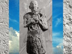 D'après un orant royal et capridé en offrande,albâtre, vers 2400 ans avjc, période des dynasties archaïques, pays d'Élam, actuel Iran, Orient ancien. (Marsailly/Blogostelle)