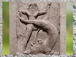 D'après un relief votif, considéré comme une image de Gilgamesh, roi d'Uruk, vainqueur du Taureau Céleste d'Ishtar, IIIe millénaire avjc, terre cuite Mésopotamie. (Marsailly/Blogostelle)